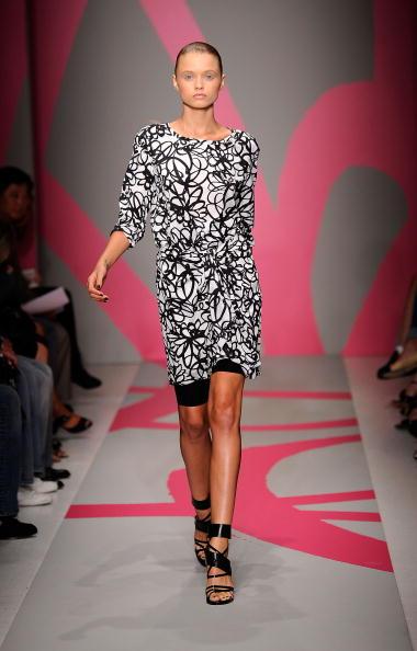 Коллекция DKNY Весна 2010. Фото: Fernanda Calfat/Getty Images