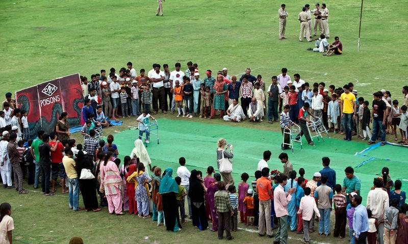 Бхопал, Індія, 26 липня. Діти, які страждають від наслідків катастрофи на хімічному заводі в 1984 році, беруть участь в «Спеціальній олімпіаді». Фото: PRAKASH SINGH/AFP/GettyImages
