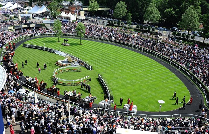 Аскот, Англія, 19 червня. Щорічні скачки відкриває процесія королівських карет. Фото: Charlie Crowhurst/Getty Images for Ascot Racecourse