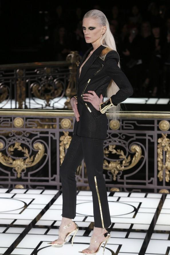 Atelier Versace на Неделе высокой моды в Париже. Фото: FRANCOIS GUILLOT/AFP/Getty Images