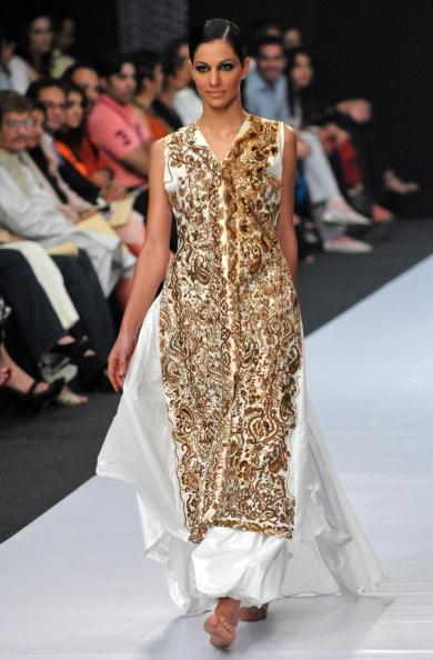 Колекція від пакистанського дизайнера Maheen Khan. Фото: ASIF Hassan/afp/getty Images
