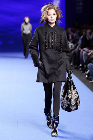 Кристиан Лакруа (Christian Lacroix), коллекция ready-to-wear осень-зима 2007/2008. Фото: PIERRE VERDY/AFP/Getty Images
