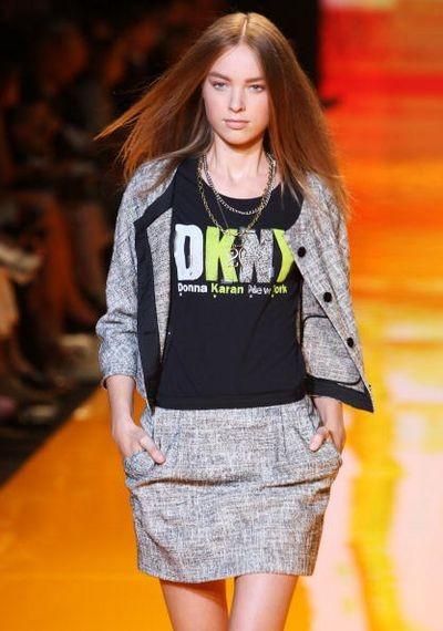 Коллекция DKNY на неделе Mercedes-Benz в Нью-Йорке. Фото: Frazer Harrison/Getty Images