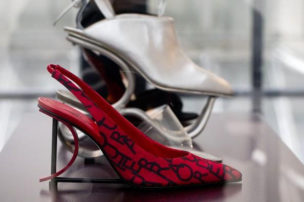 Выставка «Обувь: французская страсть». Фото: JOEL SAGET/AFP/Getty Images