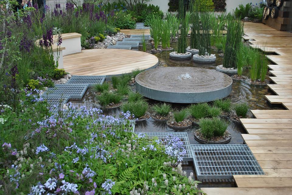 Городской сад на крыше «Голубая вода» от Королевского банка Канады на выставке цветов в Челси. Это уголок природы для современных многоэтажных городов. Фото: rhschelsea/facebook.com