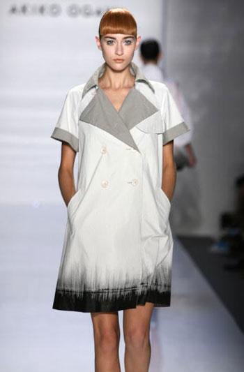 Коллекция одежды от Akiko Ogawa на неделе моды Mercedes-Benz Fashion Week в Нью-Йорке. Фото: Frazer Harrison/Getty Images for IMG