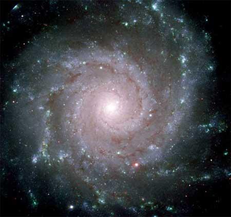 27 января 2004 г. Галактика M74. Фото: NASA, ESA and the GMOS Commissioning Team (Gemini Observatory)