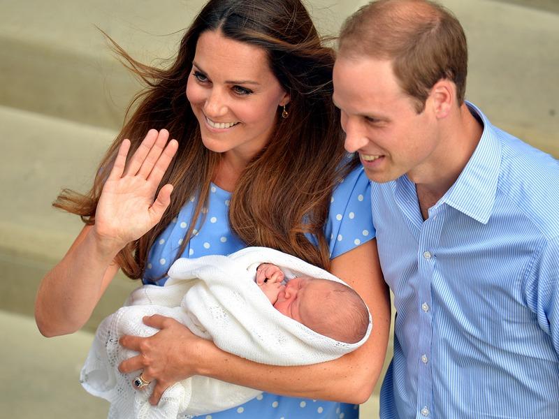 Лондон, Англія, 23 липня. Принц Вільям і його дружина Кетрін, герцогиня Кембриджська, показали репортерам новонародженого сина Джорджа Олександра Луї. Фото: John Stillwell/WPA-Pool/Getty Images