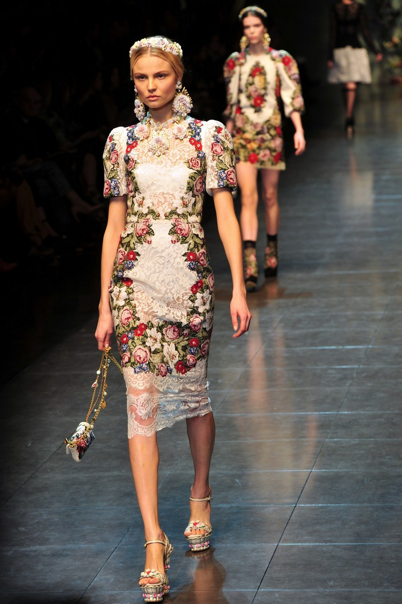 Романтичне бароко від Dolce & Gabbana. Фото: GIUSEPPE CACACE/AFP/Getty Images