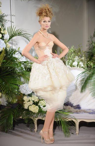 Новая коллекция Christian Dior сезона осень-зима 2009/2010/Pascal Le Segretain/Getty ImagesPascal Le Segretain/Getty Images