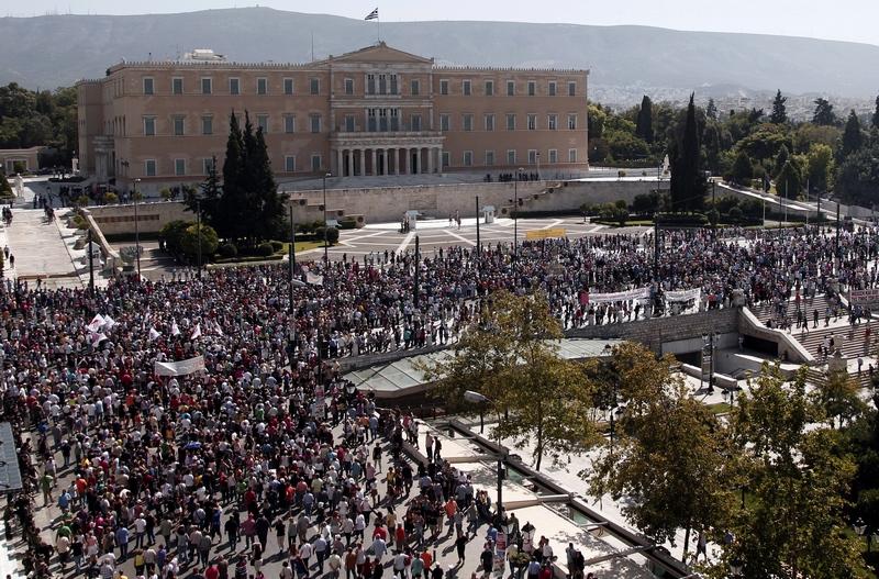 Афіни, Греція, 26 вересня. В країні пройшов 24-годинний загальнонаціональний страйк. Фото: STR/AFP/GettyImages