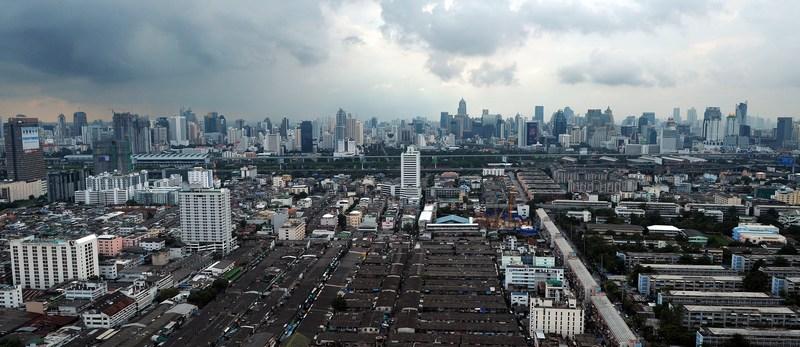 Тучи над Бангкоком. Фото: CHRISTOPHE ARCHAMBAULT/AFP/Getty Images