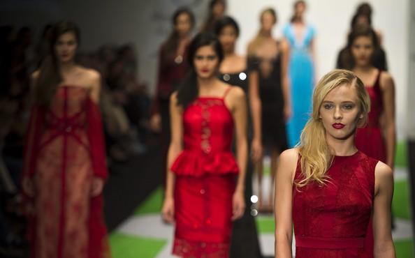Модные тенденции осень-зима 2013/14 на Мексиканской неделе моды. Фото: OMAR TORRES/AFP/Getty Images