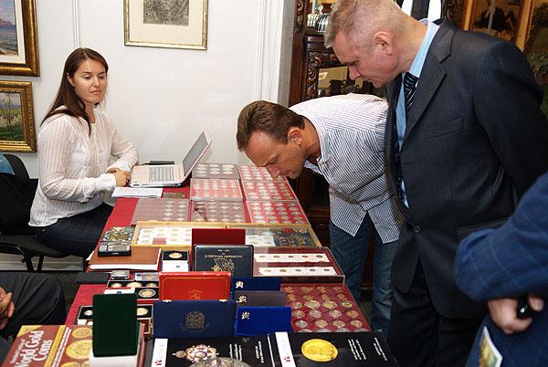 Первая в Украине масштабная выставка антиквариата – «Большой антикварный салон» открылась в Киеве 4 сентября. Фото: Владимир Бородин/The Epoch Times