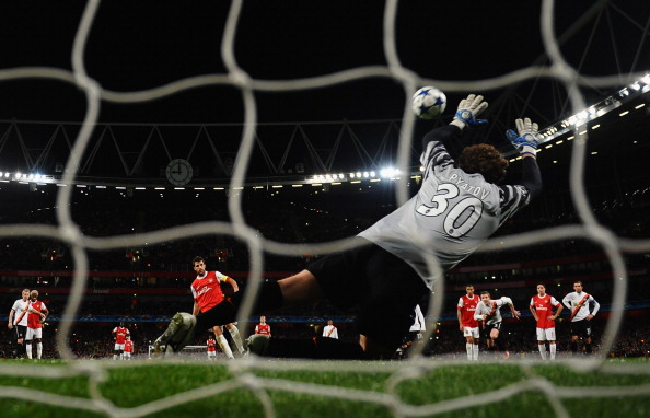 Фото: ADRIAN DENNIS, Laurence Griffiths /Getty Images Sport
