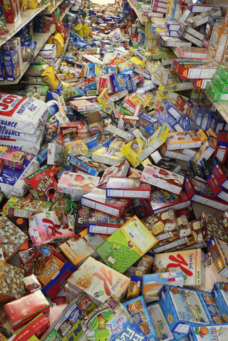 г. Минерал, штата Вирджиния 24 августа 2011. Один из магазинов после землетрясения 23 августа. Фото: Scott Olson / Getty Images