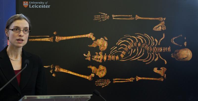 Лестер, Англія, 4 лютого. Археологи виявили скелет короля Річарда III під час розкопок під автостоянкою. Фото: ANDREW COWIE/AFP/Getty Images