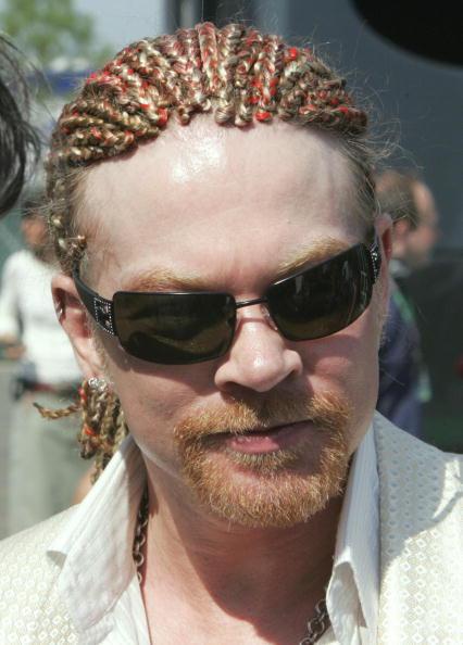 Вокаліст і лідер групи Guns N'Roses Аксл Роуз. Фото: PIERRE ANDRIEU/Getty Images