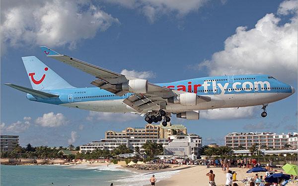 Пляж Махо: самолеты пролетают прямо над головой. Фото: blogspot.com