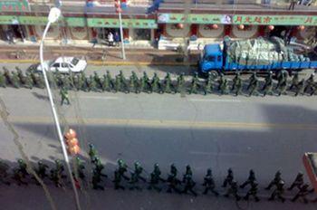 Солдаты китайской армии в провинции Сычуань. Фото: AFP