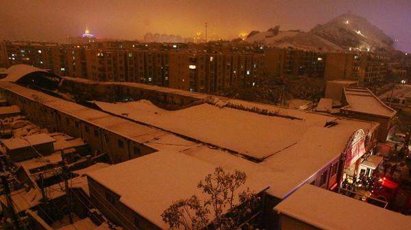 Від снігу обвалився дах ринку в місті Цзинань провінції Шаньдун. Фото з epochtimes.com