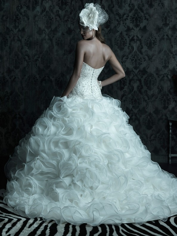 Коллекция свадебных платьев Allure Bridals 2013 Couture. Фото: fashionbride.wordpress.com