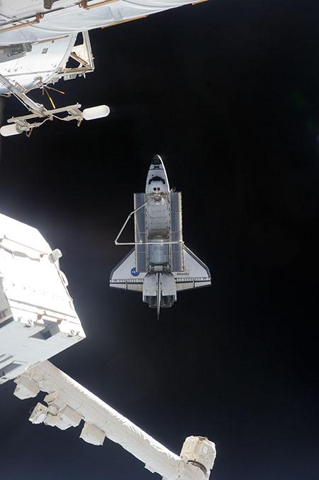 19 июля. Шаттл «Атлантис» отстыковался от МКС. Фото: nasa.gov