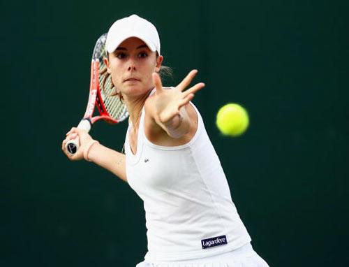 Лондон, Великобритания: Французска Alize Cornet во время Уимблдонского турнира. фото: Clive Brunskill/Getty Images
