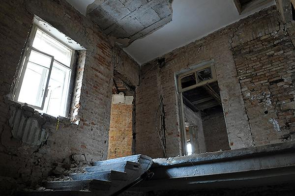 Дом на Софиевской 20 напротив колокольни Софиевского собора. Владимир Бородин/The Epoch Times Украина