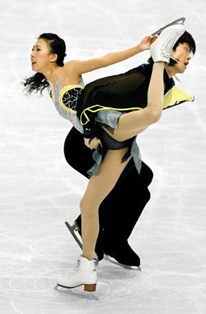 Китайська пара Pang Qing і Tong Jian на чемпіонаті світу з фігурного катання. Фото: TOSHIFUMI KITAMURA/AFP/Getty Images