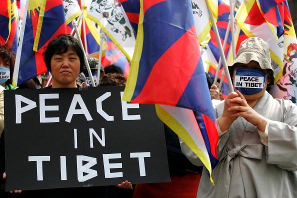 27 марта. Акция в защиту Тибета в Сеуле. Фото: Chung Sung-Jun/Getty Images