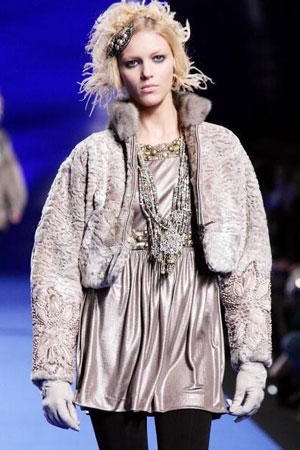 Кристіан Лакруа (Christian Lacroix), колекція ready-to-wear осінь-зима 2007/2008. Фото: PIERRE VERDY/AFP/Getty Images