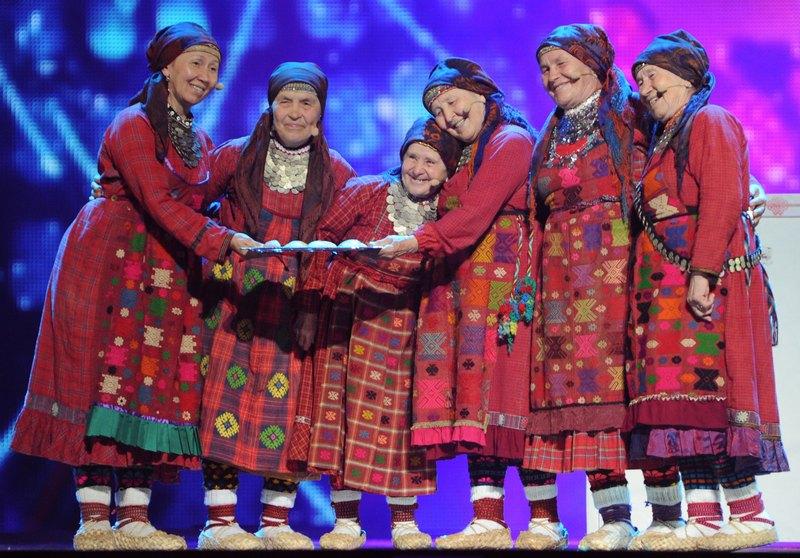 Баку, Азербайджан, 25мая. «Бурановские бабушки» перед выступлением в финале Евровидения 2012. Фото: VYACHESLAV OSELEDKO/AFP/GettyImages