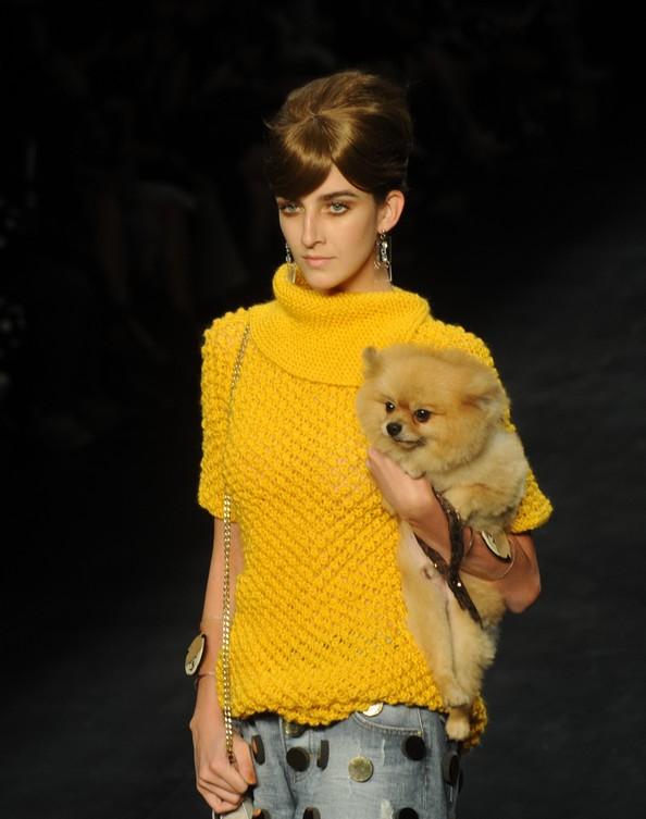 Rio Fashion Week представляє колекції сезону осінь-зима 2013. Фото: ANTONIO SCORZA/AFP/Getty Images