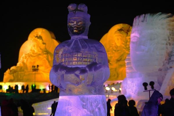 26-й Международный фестиваль льда и снега в Харбине. Фото: STR/AFP/Getty Images