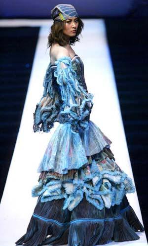 Колекція 2006 модельєра Марка Хойнга Хауте. Фото: AFP
