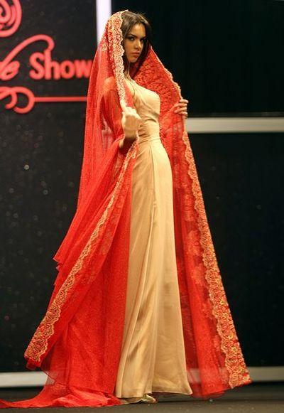 Показ весільної колекції в Дубаї/Фото : АFP