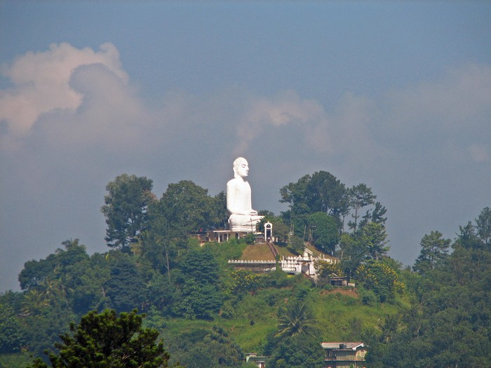 Статуя Будди в Канді. Фото: mckaysavage/Flickr
