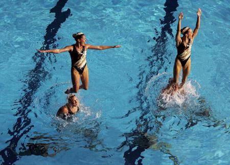Американська команда під час технічної програми в синхронному плаванні. Фото: Robert Cianflone/Getty Images
