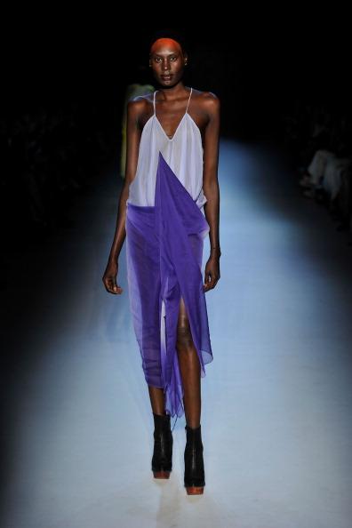Алістер Чунг (Alistair Trung) представила свою колекцію на Австралійському тижні моди. Фото: Stefan Gosatti/Getty Images