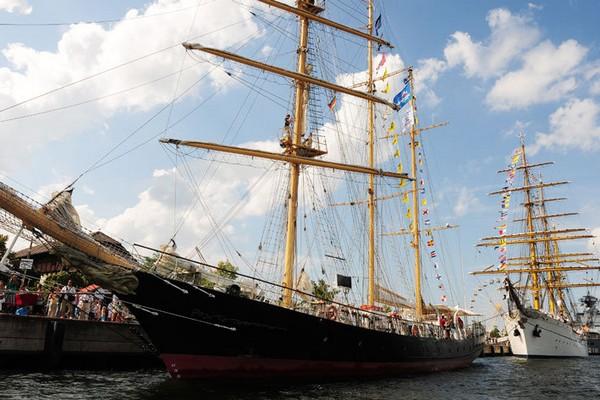 Болгарское учебное парусное судно, баркентина Kaliakra, построено в 1984 году на судоверфи в Гданьске, порт приписки - Варна. Фото: Archiv Hanse Sail Rostock