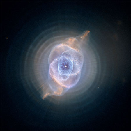 9 сентября 2004 г. Туманность Кошачий глаз (Cat's Eye Nebula). Фото: NASA, ESA, HEIC, and The Hubble Heritage Team (STScI/AURA)