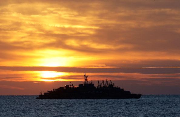 ОСТРІВ YEON PYEONG, ПІВДЕННА КОРЕЯ, 26 листопада: Південнокорейський військовий корабель. Підсилення військової боєготовності. Фото: Chung Sung-Jun/Getty Images