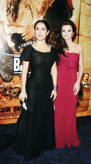 С  Пенелопой Круз на премьере фильма «Бандитки» в Париже 10 января 2006 года. Фото: Pascal Le Segretain/Getty Images