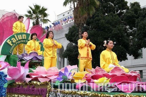 Шествие против репрессий Фалуньгун в Китае. Фото: Ли Ша/Великая Эпоха