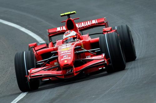 Пилот команды Феррари Кими Ряйккёнен участвует в гонках седьмого этапа чемпионата мира Формулы-1 – Гран-при США. Фото: Mark Thompson/Getty Images
