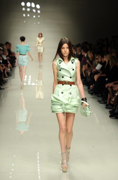 Колекція Burberry Prorsum сезону весна-літо 2010 на Тижні моди в Лондоні. Фото: Ian Gavan/getty Images