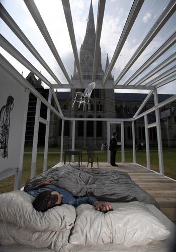 Современное искусство в Солсберийском соборе. Фото: Matt Cardy/Getty Images