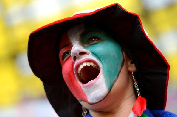 Гданьск, Польша — 10 июня: итальянская болельщица на матче между Испанией и Италией. Фото: Shaun Botterill/Getty Images