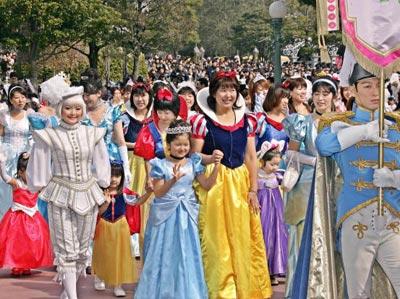 Сьогодні в Японії відзначають традиційне свято - День дівчат або Хіна мацурі. фото: YOSHIKAZU TSUNO/AFP/Getty Images